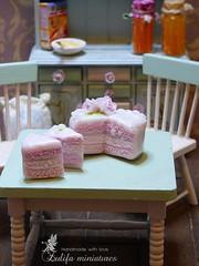 P1050252 (Zulifa miniatures) Tags: торт кукольнаяминиатюра полимернаяглина ручнаяработа эксклюзив cake polymerclay handmade exclusive