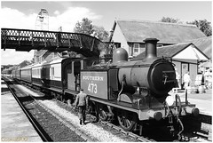 Southern 473 at Sheffield Park Station on the Bluebell Railway **Explored!** (Coolcats100) Tags: park uk england people bw man west station train canon sussex blackwhite sheffield railway august steam explore southern bahn bluebell dampflok 2015 473 canon650d coolcats100