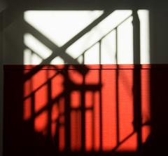 Shadow (genf) Tags: light shadow abstract wall licht sony sigma schaduw rood zwart wit muur 1835 a700