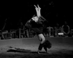 Cirque en fleuve 2015 - Cap St-Ignace (eburriel) Tags: woman black jump noir circus femme acrobat blanc fleuve 2015 chapiteau