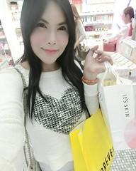My First Day in Here....วันนีัหาซื้อเสื้อกันหนาวทั้งวันเลย ได้ครีมหอยทากมาอีกเซ็ต #shopping #seoul #myeongdong #korea