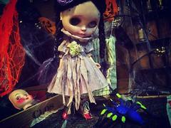 Are you spinning tales, again? 🌔 #love #blythe #customblythe #doll #ブライス #カスタムブライス #人形 #halloweenfun