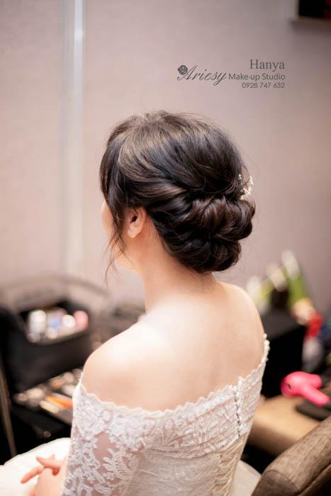 新秘Hanya,愛瑞思造型團隊,Dream婚紗工坊,台北推薦新秘,新娘髮型,結婚造型,新娘秘書,吉品海鮮餐廳,蓬鬆編髮