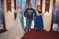 Me with Anna & Elsa at DCA (GMLSKIS) Tags: california anna george princess disney amusementpark anaheim dca elsa landis snowqueen disneycaliforniaadventure georgelandis