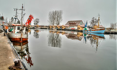 Fishing port Freest (Körnchen59) Tags: fischreihafen fishingport harbour boote freest germany mecklenburgvorpommern winter körnchen59 elke körner pentax ks2 reflection spiegelung