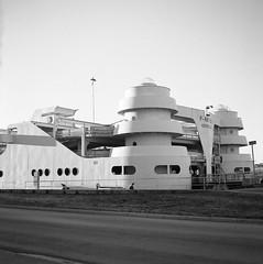 P-arken (parkinghouse) (rotabaga) Tags: sverige sweden svartvitt göteborg gothenburg lomo lomography lubitel166 ilford twinlens blackandwhite bw bwfp diy mediumformat mellanformat 120 6x6