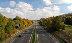 Autumnal A41 (meniscuslens) Tags: road tring a41 hertfordshire autumn