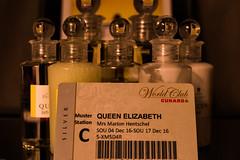 Kreuzfahrt mit der Queen Elizabeth (Günter Hentschel) Tags: queenelizabeth qe queen shipqueenelizabeth mitbringsel souvenir cunard nikon nikond5500 d5500 indoor europa