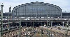 """Der Bahnhof. Die Bahnhöfe. Das hier ist der Hamburger Bahnhof. Man sieht auch viele Gleise. • <a style=""""font-size:0.8em;"""" href=""""http://www.flickr.com/photos/42554185@N00/32295484282/"""" target=""""_blank"""">View on Flickr</a>"""