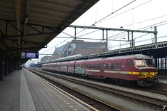 NMBS AM75 830 (f O h O) Tags: trein spoor nederland noordbrabant roosendaal