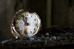 Que horas son, mi corazón (Denisa Colours of Decay) Tags: abandoned abandonedplaces urbex germany urbanexploration urban exploration clock infiltration time yashica 50mm oldlens canon decay detail