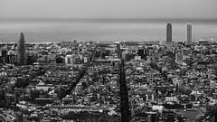 Al mar, al mar! (lluiscn) Tags: barcelona barna bcn ciutat city panoràmica cityscape ciutatcomtal agbar catalunya mar sea aigua mediterrani mediterrània carrers edificis urbà urb metròpoli bn bw monochrome vista