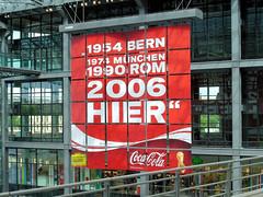 Grenwahn/Megalomania ??? (Gertrud K.) Tags: football divers fussball soccer coke wm2006 centralrailwaystation