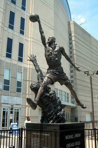 Michael Jordan Statue, Chicago - flickr/wallyg