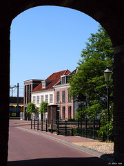 Beyond the portal (Michele Ahin) Tags: holland netherlands picturesthroughholes framed perspective nederland vista portal amersfoort koppelpoort lovephotography twtme
