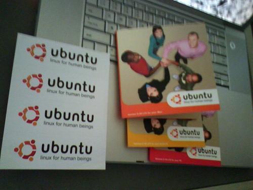New Ubuntu CDs... With stickers