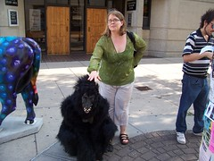 Rochelle and Gorilla Friend (Rochelle, just rochelle) Tags: wisconsin madison gorillas rochellehartman wilsworld2006