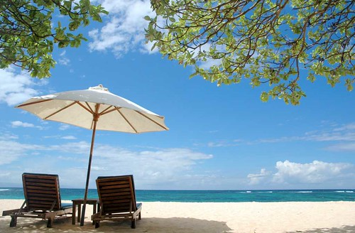 honeymoons_destination_beach_ocean_vacation_hotel_island_blue sky_wedding_holiday_visiting_Bali