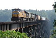 James River Trestle (Luke Sharrett) Tags: railroad trestle bridge train virginia ns norfolk railway southern lynchburg va catfish unionpacific locomotive amherst span freight locomotives jamesriver norfolksouthern madisonheights lynchburgva 36q wonderfulworldmix