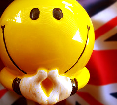happy thoughts (bitzi  ion-bogdan dumitrescu) Tags: uk blue red white smile face yellow jack fun piggy happy funny flag united union happiness bank kingdom smiley round hummingbirdxmas interestingness8 bitzi i500 ibdp thebestyellow ibdpro wwwibdpro ionbogdandumitrescuphotography