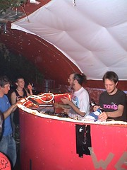Plummet 17.08.06 - 10 (gusset) Tags: bristol gigs timbuk2 plummet hardoff boep