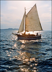 Idra - Sails (Mediterraneo) Tags: sea seascape colour boat kodak croatia rangefinder zadar yashica 45mm adriatic dalmatia yashinondx