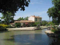 Lock keepers Cottage (Z303) Tags: france canal cottage idyllic canaldumidi cauxetsauzens