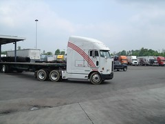 cabover pete 372 helment at ashland ta2 (DieselDucy) Tags: tractor truck semi pete trailer peterbilt 18wheeler cabover