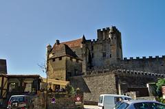 Chateau de Beynac - Dordogne - France (xosediego) Tags: travel france castle architecture buildings nikon outdoor dordogne movies keep nikkor chateau amateur ubuntu dx beynac perigord sudouest aquitaine darktable d3100