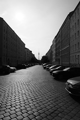 Berlin (marc.fray) Tags: berlin ostberlin berlinest strelitzerstrase bernauerstrasse berlinmitte mitte bezirkmitte fluchttunnel egonschultz egonschultzstrase mauer berlinwall berlinermauer murdeberlin mur christianzobel ddr rda allemagne germany deutschland