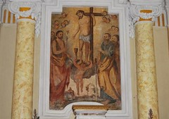 altare centrale affresco _Cristo con la Croce tra i santi Giovanni e Paolo
