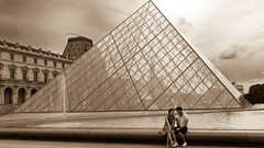 Phoning Home (Dan Guimberteau) Tags: paris teenager sepia blackandwite france nikon d90 louvre museum gallery