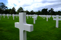 Normandy American Cemetery and Memorial (sebastianhillemann) Tags: france history cemetery architecture soldier death memorial war fuji emotion american memory normandie normandy erinnerung gedenksttte xt1
