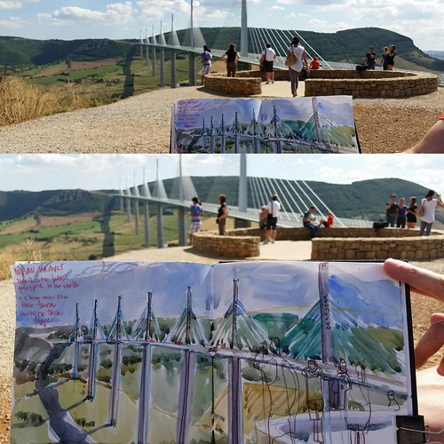 It had to be done! #millau #millauviaduct #france #urbansketch @urbansketchers #isacarmona #winsorandnewton @winsorandnewton