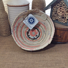 "Small Table Basket #0751 • <a style=""font-size:0.8em;"" href=""http://www.flickr.com/photos/54958436@N05/20921422113/"" target=""_blank"">View on Flickr</a>"