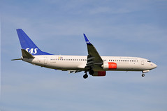 SK0531 ARN-LHR (A380spotter) Tags: approach landing arrival finals shortfinals threshold boeing 737 800wl lnrgf torolfviking sasscandinavianairlines sas sk sk0531 arnlhr runway09l 09l london heathrow egll lhr
