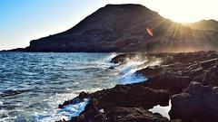 Nacer. (juliosabinagolf.) Tags: costa luz water mar agua nikon paisaje 1855mm nikkor cartagena roca cabodepalos calareona calblanque f3556 d3300 latierraunparaiso