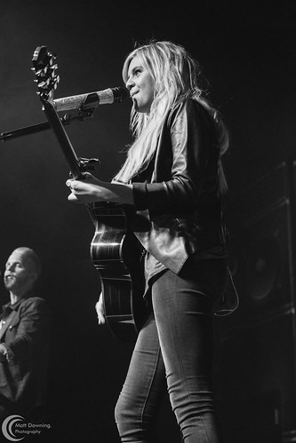 Kelsea Ballerini - September 18, 2015 - Hard Rock Hotel & Casino Sioux City