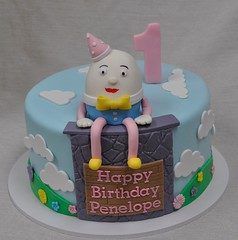 Humpty dumpty first birthday cake (jennywenny) Tags: birthday flowers cake nursery first humpty dumpty rhymes