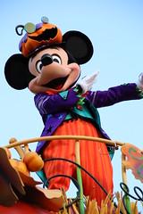 Happy Halloween Harvest (sidonald) Tags: halloween tokyo disney mickey parade mickeymouse tokyodisneyland tdl パレード ハロウィーン tdr tokyodisneyresort ディズニーランド ミッキー ハーベスト happyhalloweenharvest disneyshalloween2015