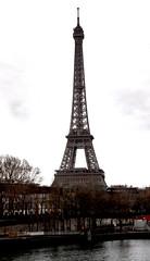 2016-12-24 (Giåm) Tags: paris alma pontdelalma seine riverseine eiffel toureiffel eiffeltower eiffeltårnet eiffeltornet eiffelturm iledefrance france frankreich frankrike frankrig giåm guillaumebavière