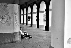 SITUACION DE CALLE (ala_j22) Tags: sintecho girl homeles pobreza desamparo indiferencia desproteccion indigence poverty neediness penury penuria