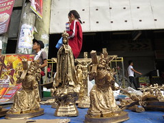 feast for vendors (DOLCEVITALUX) Tags: feastoftheblacknazarene vendors forsale manila philippines outdoor people