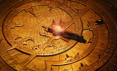 "Astrolabios, ubicantes de estrellas guía • <a style=""font-size:0.8em;"" href=""http://www.flickr.com/photos/30735181@N00/32569387006/"" target=""_blank"">View on Flickr</a>"
