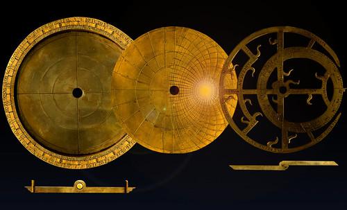 "Astrolabios, ubicantes de estrellas guía • <a style=""font-size:0.8em;"" href=""http://www.flickr.com/photos/30735181@N00/32569389056/"" target=""_blank"">View on Flickr</a>"