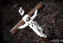 crucified astronaut cruc1fied a5tronaut 1conocla5t... (Photo: 1CONOCLA5T on Flickr)