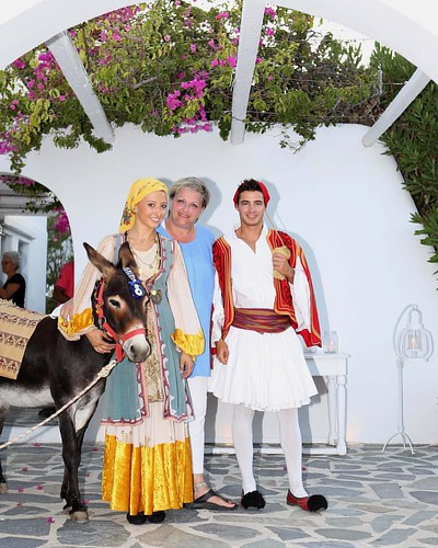 My Big Fat Greek Party... Greeting Our Guests in Ancient Style!!! #greece #athens #athenswedding #greecewedding #wedding #weddings #weddingday #eventplanner #event #eventsgreece #events #santorini #mykonos #picoftheday #likeforlike #travelgreece #island #