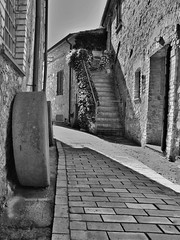 Montemarcello (smenega) Tags: italy italia mare liguria bianconero vicoli whiteandblack macina blackandwithe montemarcello iborghipibelliditalia focidelmagra