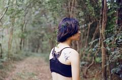 我的-75 (Hallomomo) Tags: color film nature girl beauty portraits 35mm hair asian photography mood emotion kodak body concept tatoo foca conception kodakfilm filmphotography filmisnotdead shootingfilm colorplus200 istillshootfilm believeinfilm