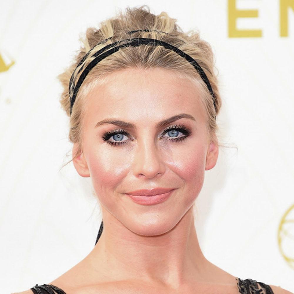 Maquillajes Emmys julianne-hugh